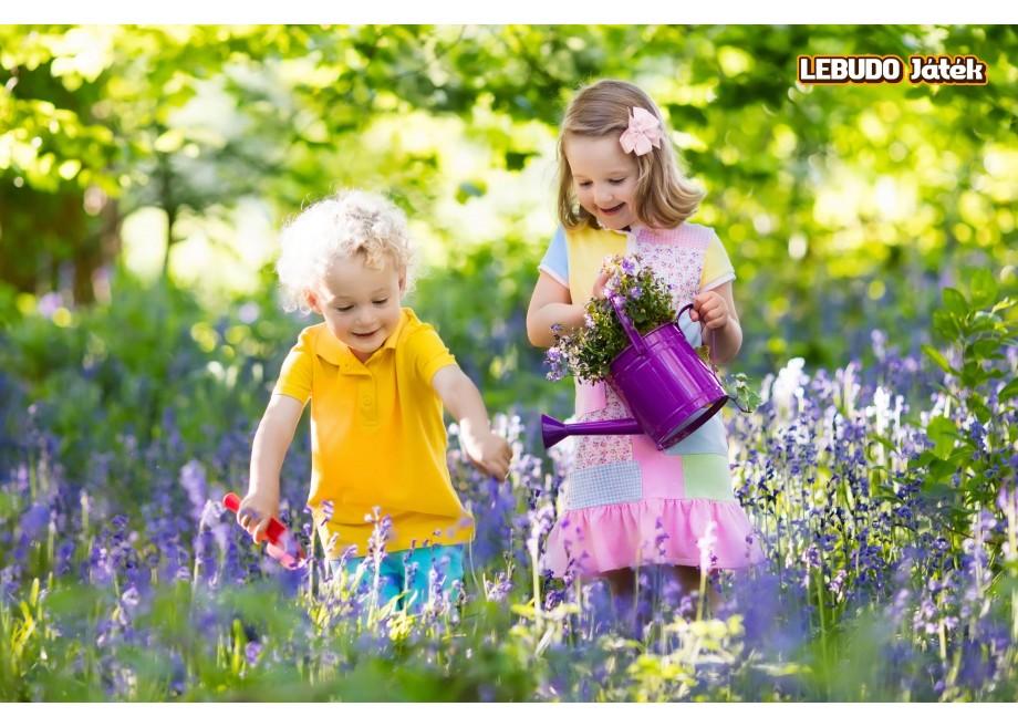 Móka a kertben: gyerek házikó, a kertrendezés segítője